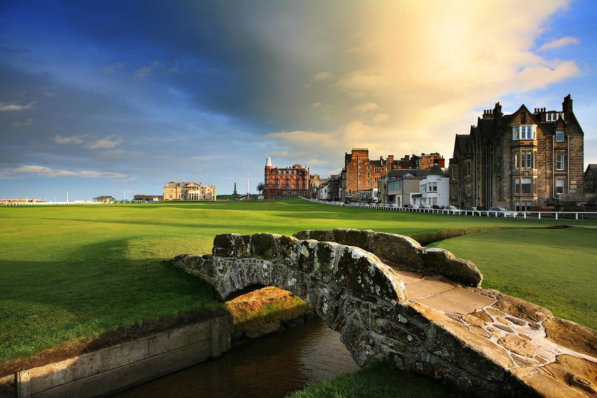St Andrews Old Course. (Rusacks hotel on right)<br />